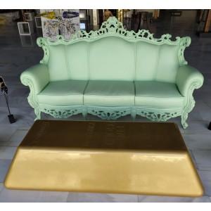 Escultura del artista Arte by Leyton - Golden ingot sofa