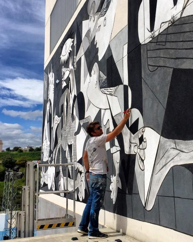 Mural Quijote en el Guernica en Estepona